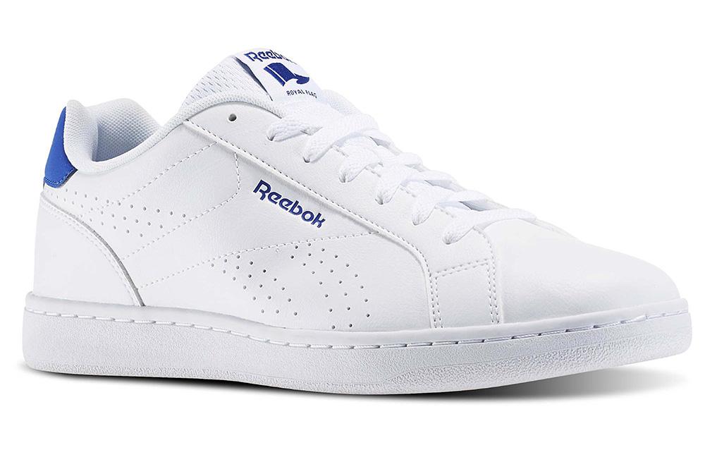 Tênis brancos